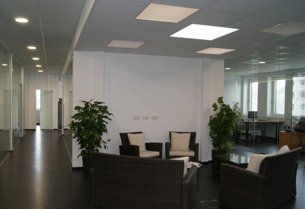 Büro LeadEngine innen - Leads generieren, Online Marketing, SEO, SEA, Direktmarketing und mehr